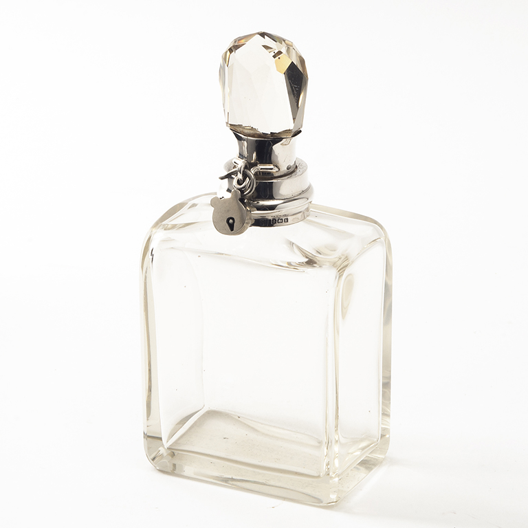 Rectangular Locking Decanter