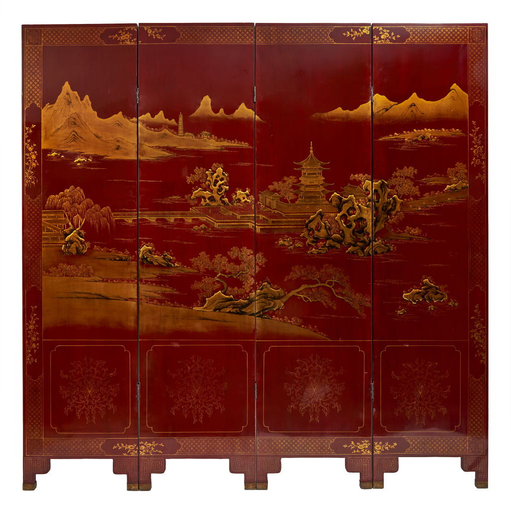 Red Lacquer Screen