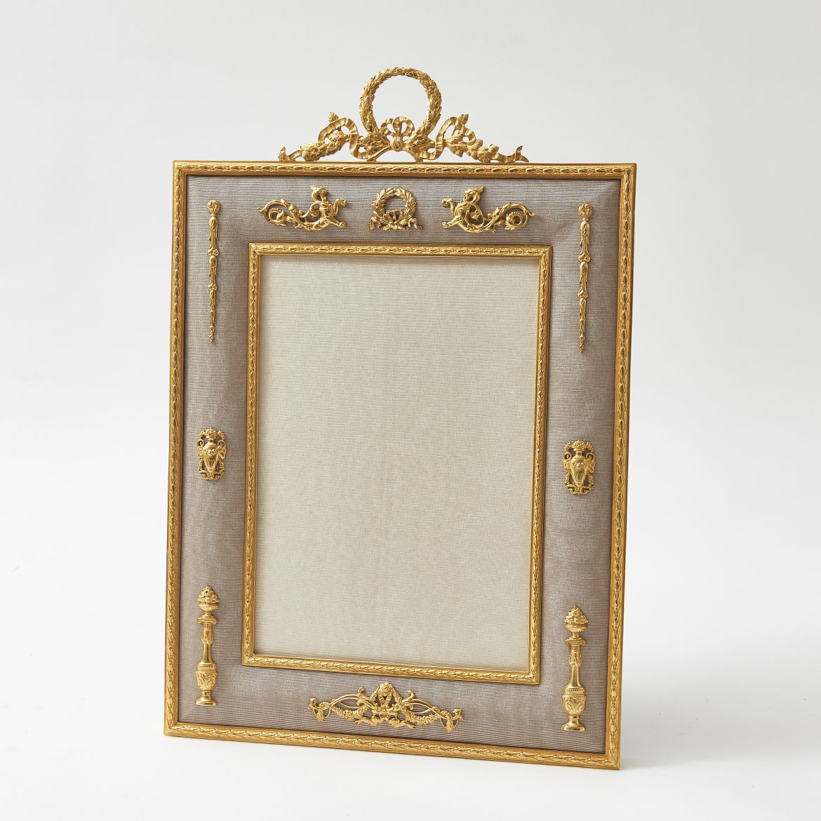 Photo Frame With Cushion Border