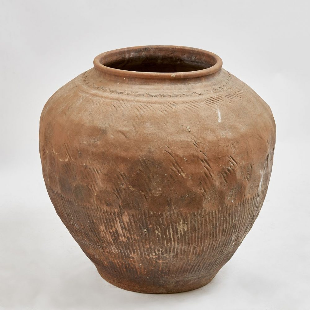 Chinese Shandong Province Pottery Urn