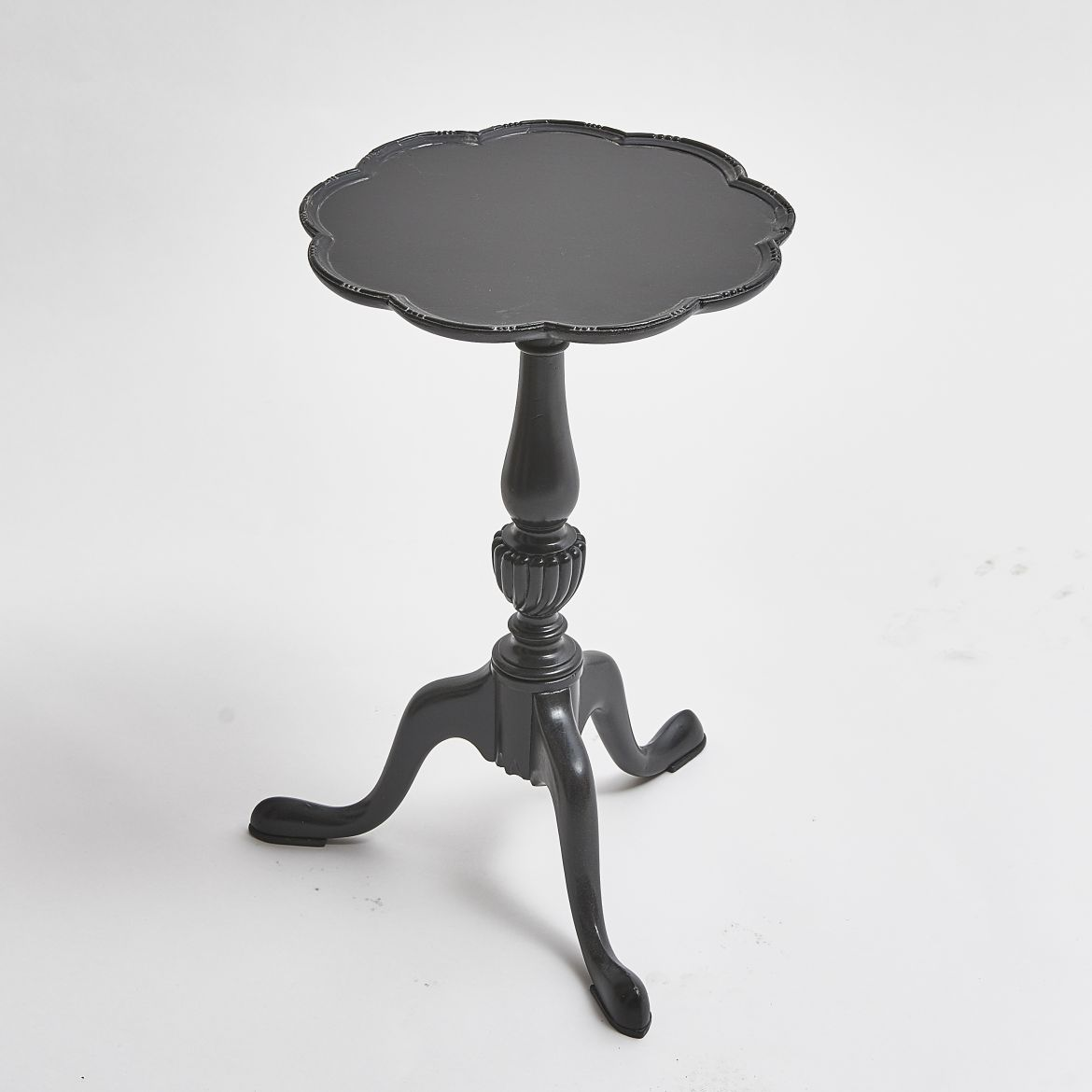 Scalloped Edge Wine Table