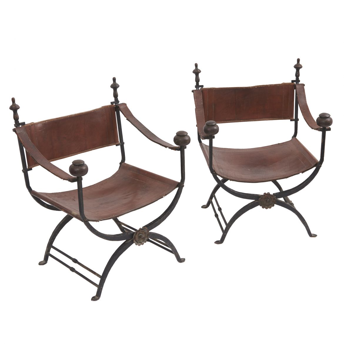 Pair Savanarola Chairs