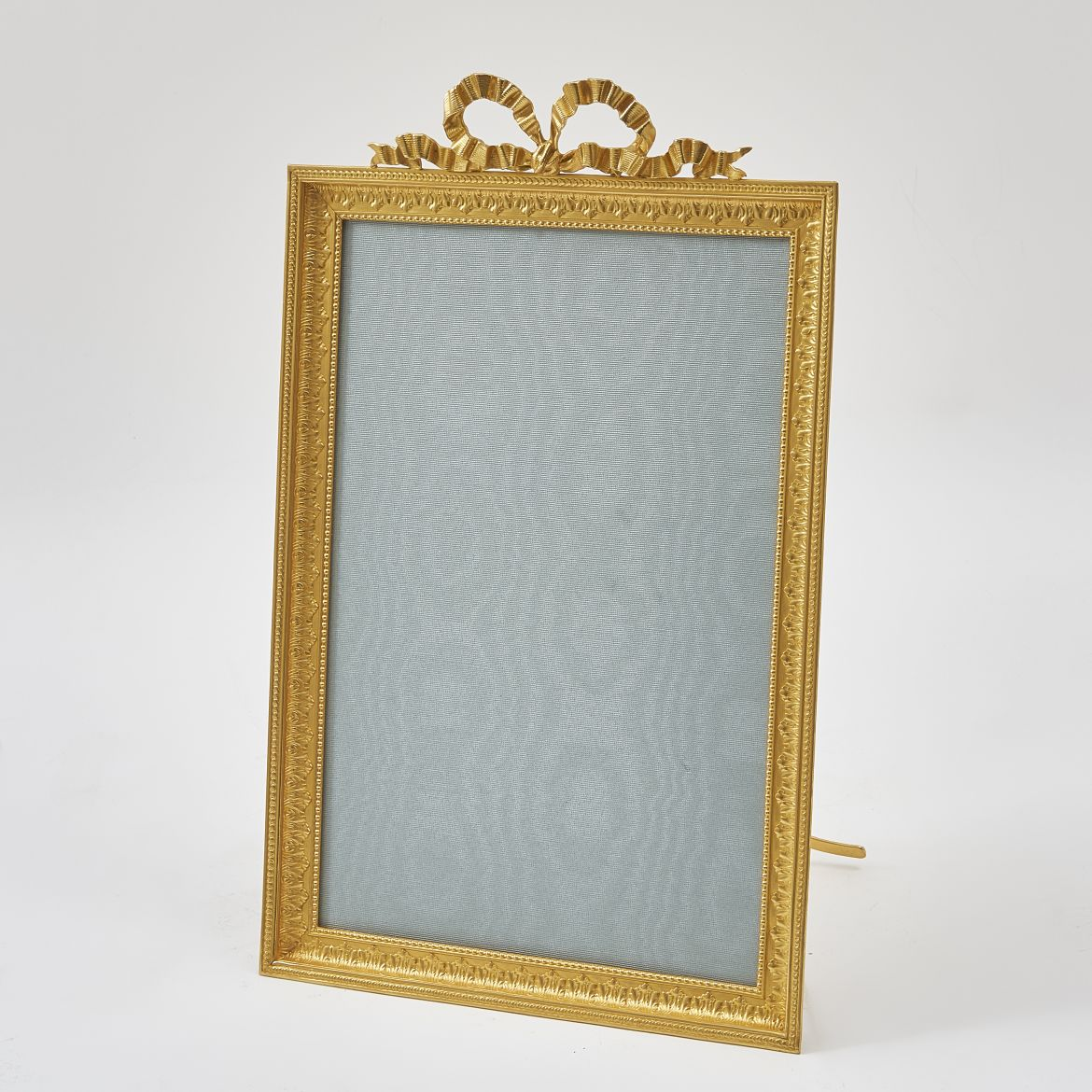 French Bow Crested Frame